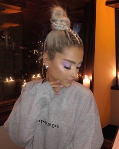 ariana-grande-blonde-hair-bun hairstyle-min Related posts: Wonderful Top Knot Long Hairstyles to Look Insane This Year Made for walkin & # Love getting new clients with long hair. … 65 fabulous Ariana Grande hairstyles that you will love Ariana Grande Nails, Cabello Ariana Grande, Ariana Grande Fotos, Ariana Grande Outfits, Ariana Grande Hairstyles, Ariana Grande Eyeliner, Ariana Grande Hair Color, Ariana Grande Style 2018, Ariana Grande Body
