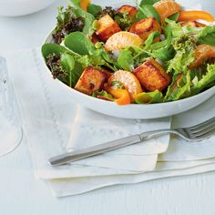 Spicy Tofu and Clementine Salad Lunches And Dinners, Meals, Tofu Salad, Roasted Pumpkin Seeds, Vegan Parmesan, Seitan, Tempeh, Plant Based Recipes, Healthy Recipes
