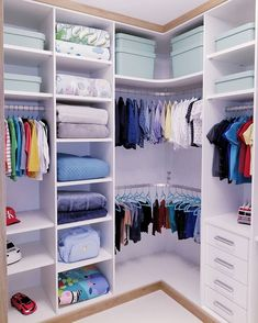 closet layout 643803709218532157 - Source by estelesenut Corner Wardrobe Closet, Wardrobe Room, Wardrobe Design Bedroom, Bedroom Cupboard Designs, Kids Bedroom Designs, Bedroom Cupboards, Home Room Design, Master Bedroom Closet, Closet Designs