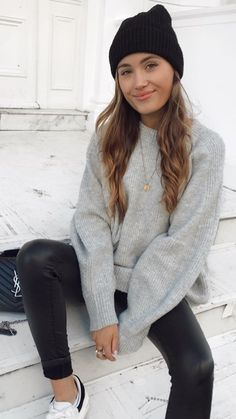 Image shared by 𝓛𝓮𝔁𝓲 ♣. Find images and videos about girl, fashion and style on We Heart It - the app to get lost in what you love. Casual Winter Outfits, Winter Fashion Outfits, Simple Outfits, Trendy Outfits, Fall Outfits, Autumn Fashion, Cute Outfits, Cold Weather Fashion, Mode Inspiration