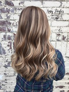 Balayage Blonde Ends - 20 Fabulous Brown Hair with Blonde Highlights Looks to Love - The Trending Hairstyle Brown Hair With Blonde Highlights, Brown Ombre Hair, Brown Hair Balayage, Light Brown Hair, Brown Hair Colors, Hair Highlights, Dark Brown, Color Highlights, Honey Brown