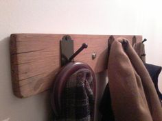 perchero de pared Bathroom Hooks, Home, Coat Stands, Ad Home, Homes, Houses, Haus