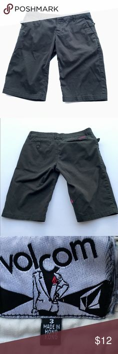 """Volcom Black Bermuda Shorts Junior Size 3 Black Volcom Bermuda Shorts, 13"""" long. Size 3 Trouse-Her Lil Ollie Quite Jolly.   Preowned but in very good condition. No rips, stains or other defects.  Waist (flat): 15.5"""" Volcom Shorts Bermudas"""