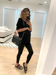 50 Maternity Outfits At All Price Points (Hello Fashion) Cute Maternity Outfits, Stylish Maternity, Pregnancy Outfits, Maternity Wear, Pregnancy Style, Spring Maternity Fashion, Maternity Leggings Outfit, Pregnancy Fashion, Spring Fashion