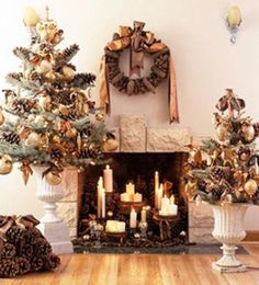 Beautiful christmas fireplace decoration with candles wreaths and christmas ornaments. Christmas Fireplace, Christmas Mantels, Noel Christmas, All Things Christmas, Winter Christmas, Xmas, Christmas Ornaments, Tree Decorations, Christmas Decorations