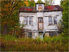 Abandoned house in Restoule, Ontario.