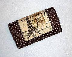 Peňaženka s motívom Eifelovej veže.