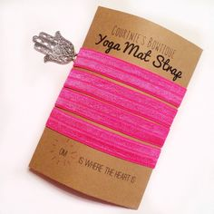 Yoga Mat Strap door courtniesbowtique op Etsy https://www.etsy.com/nl/listing/223016642/yoga-mat-strap