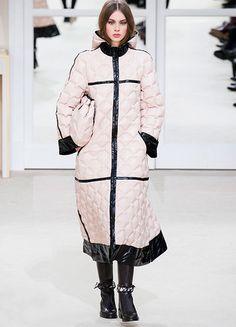 Trend: coole Daunenjacken bei Chanel Herbst/Winter 2016/17