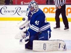 Toronto Maple Leafs' Jonathan Bernier makes a save against the Pittsburgh Penguins during first period NHL action in Toronto on Saturday, Oct. 31, 2015. (Kevin Van Paassen/The Canadian Press via AP)