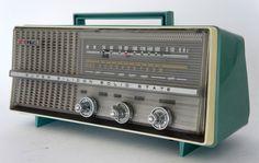 Gold Star Receptor, Retro Radios, Mid-century Interior, Antique Radio, Old Tv, Gold Stars, Vintage, Nostalgia, Tube