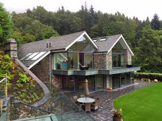 house-at-grasmere-view-from-bar-across-garden-to-main-house_640x480.jpg 640×480 pixels