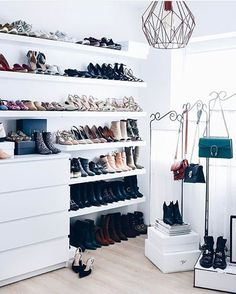 Meine Schuhwand im Ankleidezimmer, Schuhaufbewahrung DIY, Schuhwand selber mache… My Shoe Wall in the Dressing Room, DIY Shoe Store, DIY Diy Shoe Storage, Storage Room, Shoe Wall, Diy Rangement, How To Store Shoes, Deco Design, Beauty Room, Closet Organization, Organization Ideas