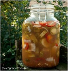 Lacto-fermented cajun pickles
