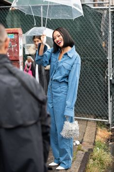 New York Fashion Week Street Style Is All About Staying Cool+ New Yorker Street Style, New York Fashion Week Street Style, Street Style Blog, Ny Fashion Week, Spring Street Style, New York Street, Street Fashion, Suits And Sneakers, Dress With Sneakers