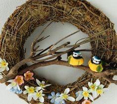 Čekáme na jaro Easter Egg Crafts, Easter Eggs, Grapevine Wreath, Grape Vines, Floral Arrangements, Wreaths, Candles, Spring Decorations, Home Decor