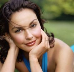 Ashley Judd - Beauty and grace