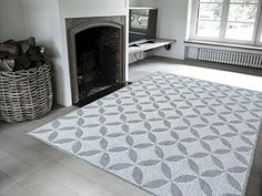 "Jardin Collection Grey Contemporary Star Design Indoor / Outdoor Area Rug (3'11″x5'3″) Lattice Area Rug Size: 3'11"" X 5'3″Color: GreyJute backing, an…"