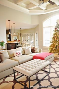 Evolution of Style: Day 1: 12 Days of Christmas Tour of Homes......... so pretty.... look at that ceiling