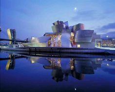 The Guggenheim museum Bilbao is in Spain and has been open to the public since It is a very beautiful view with the night line sky. Guggenheim Museum in Bilbao Museu Guggenheim Bilbao, Guggenheim Abu Dhabi, Frank Gehry, Art Et Architecture, Amazing Architecture, Contemporary Architecture, Contemporary Art, Modern Art, Architecture Wallpaper