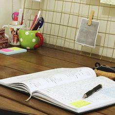Como você aproveita sua hora antes do trabalho? Como poderia aproveitá-la melhor? Quais são suas prioridades? O que você faz que te faz sorrir?  Lê isso aqui e pensa nisso:http://wp.me/p8v5pA-zg .    Instagram: @heypalombina    #bookstagram#bookworm#reading#booknerd#instabook#books#amreading#nyc#bookbook#bookstack#bookstore#book#resenha#palombina#booklovers#instabooks #igreads