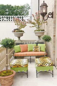 Small patio balcony ideas on pinterest small balconies for Small apartment patio decorating ideas
