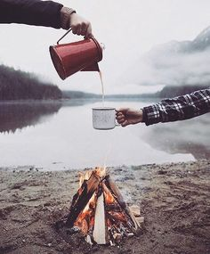 Nothing like some coffee from the fire to start your day! #sundayfunday . . . Photo courtesy of @themodcabin . . . #overthefirecooking #grill #grilling #grillporn #firecooking #grillmaster #manfood #outdoorcooking #campfire #campfirecooking #forkyeah #cheflife #campcooking #foodgram #firegram #instagood #fire #coffee #coffeeporn