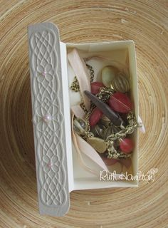 Papermill  have this beautiful Cream Leather Embossed card on special offer this week - I couldn't resist making a little trinket box wi...