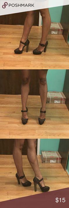 """N by Nicole Lee brown platform heels Brown platform heels size 8  5"""" heels with 1 """" platform N by Nicole Lee Shoes Platforms"""