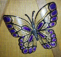 Vous ne foncerez plus dans votre porte-moustiquaire avec ces élégants papillons. Voici un atelier gagnant, les membres ont toujours beaucoup de plaisir à réaliser ce papillon. De plus, on recycle en utilisant nos bouteilles de liqueur translucides. Le...