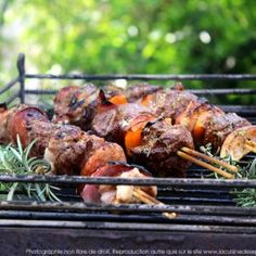 10 Marinades faciles & délicieuses pour Barbecues & Planchas ! | Blog de La cuisine des épices Barbecue Grill, Grilling, Tandoori Chicken, Meat, Ethnic Recipes, Casseroles, Food, Cookie, One Pot Meals
