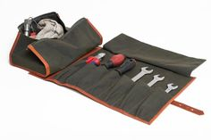Niyona - tool roll / kit Waxed canvas, leather, hardware $170 Features: detachable tool kit