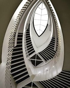 Chicago Museum of Contemporary Art Staircase #wicked #chicago #stairs #museum #cool
