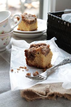 New York Style Crumb Cake | www.diethood.com | A soft, sour cream coffee cake with a thick cinnamon streusel topping | #recipe #cake #dessert