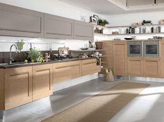Mobili sospesi in cucina - Cucina dallo stile classico