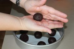 How to Make Smooth Cake Pops: An Easy Tutorial
