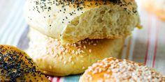 Godmorgenboller - Dette er brødet for deg som liker å skjemme bort både deg selv og omgivelsene. Forbered rundstykkene på kvelden, la dem heve i kjøleskapet over natten og stek dem til frokost.