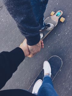 ▀▄▀▄▀▄ ʜʏɢᴡᴀᴛ ▄▀▄▀▄▀🛹 Skateboard lifestyle 😎 Inspirations no 22 Skater Couple, Skater Girls, Couple Goals Relationships, Relationship Goals Pictures, Photos Amoureux, Photo Couple, Shooting Photo, Cute Couple Pictures, Cute Couples Goals
