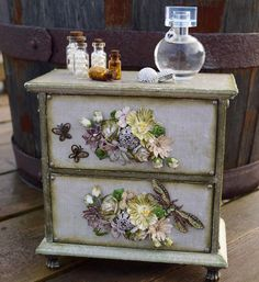 Wonderful altered mini drawer, made by Silje Kristin.