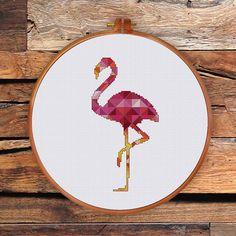 Geometrische Flamingo cross stitch patroon is een ontwerp van moderne elegante roze vogel, een prachtig cadeau voor vrienden en schattig voor kamer decor. PATROON SPECIFICATIES: Steken: volledige kruissteek, terug stitch, drie kwart steek Floss: DMC strandde katoen Kleuren vereist: 41 Steken: 50 x 100 SUGGESTIE: Stof: 14 tellen Aida Onderdelen: 2 Ontworpen gebied: 3,57 x 7.14 of 9.1 x 18,1 cm Deze PDF patroon bevat: -Cover -Floss palet -Symbool Kleurenoverzicht -Zwart-wit symbool grafiek ...