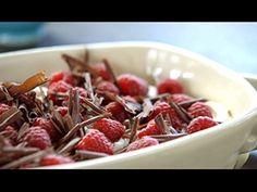 Tiramisu com framboesa e raspas de chocolate (by Jamie Oliver)