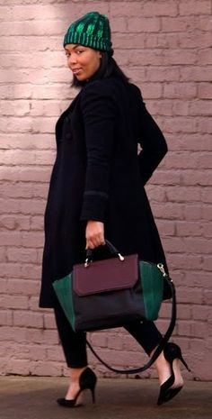 pop of emerald chic...love the pop of green!