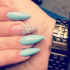 I want a manicure like this at least once❤️