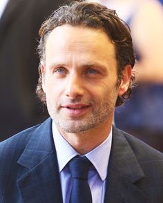 Andrew Lincoln - you know, i'm probably the only person on the planet who can't stand watching The Walking Dead, but this man is BEAUTIFUL!!!!!!!!!