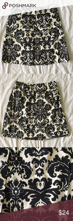 """.LOFT. Black and white floral ikat skirt Black and white floral ikat skirt from Ann Taylor LOFT. Single pleat in front. EUC. Size 4P. Length of skirt is 19"""". Laying flat, waist measures 14.5"""". Cute and classy for your next evening out! LOFT Skirts"""