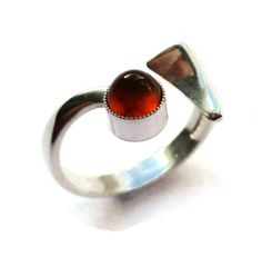 c92a840ae2a3 Vintage N E From Baltic amber modernist ring