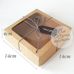 10 Caixa Kraft com Visor Atacado para 9 Doces cm no Kraft Box Packaging, Cake Boxes Packaging, Brownie Packaging, Baking Packaging, Dessert Packaging, Food Packaging Design, Soap Packaging, Packaging For Cookies, Cupcake Packaging