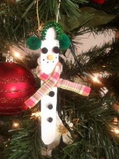 Cute Christmas ornament ideas for kids to make:  snowmen, reindeer, manger, snowflake and more