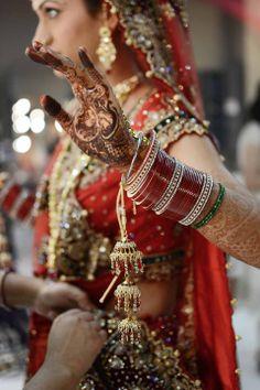 in > Evoke Images, Wedding Photographer in Anand Vihar, Delhi - NCR Wedding Chura, Bridal Chura, Indian Wedding Bride, Desi Wedding, Indian Weddings, Bride And Groom Pictures, Indian Bridal Fashion, Wedding Goals, Wedding Ideas