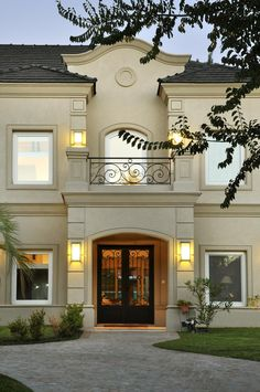 Classic House Design, House Front Design, Architecture Antique, Architecture Design, Villa, Spanish Style Homes, Facade House, Modern Classic, Exterior Design